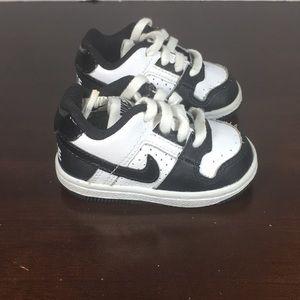 Kids Nike Delta Force Lace Up Tennis Shoes Sz 3C